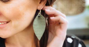 PIPER PETAL LEATHER EARRINGS