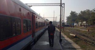 People Fleeing Fear Of Lockdown, Special Trains To Bring Passengers From Delhi, Pune – लॉकडाउन के डर से घर के लिए भाग रहे लोग, दिल्ली, पुणे के यात्रियों को लाने के लिए स्पेशल ट्रेनें